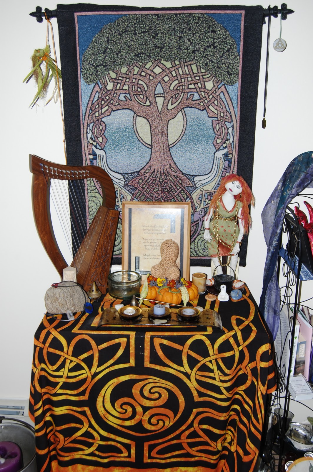 altars   The Ditzy Druid