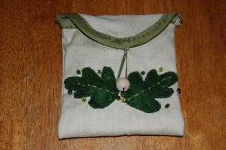 oak pouch